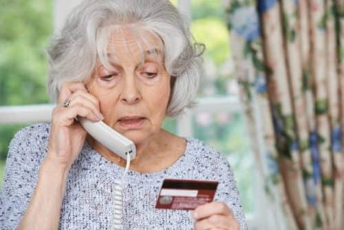 Дает ли Альфа Банк кредитную карту пенсионеру